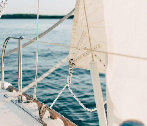 tvättat-segel-till-segelbåt